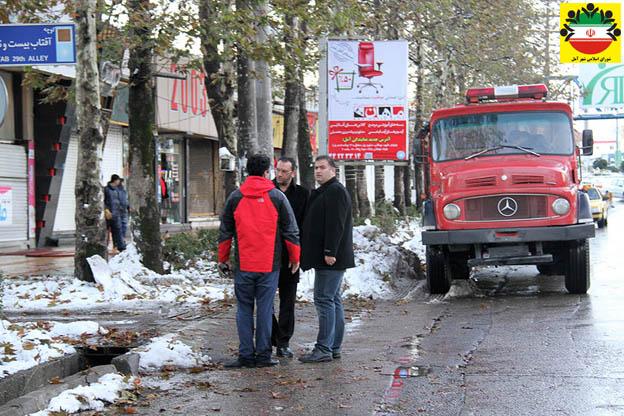 اقدامات شهرداری آمل و سازمان های وابسته پس از بارش برف سنگین در آمل – گزارش تصویری